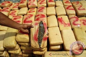 Polisi amankan 1,7 ton ganja