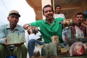 Giok Aceh Diminati Pengemar Batu di Jambi