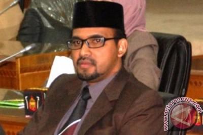 Anggota Komisi I DPRA Kecewa Kepada Gubernur