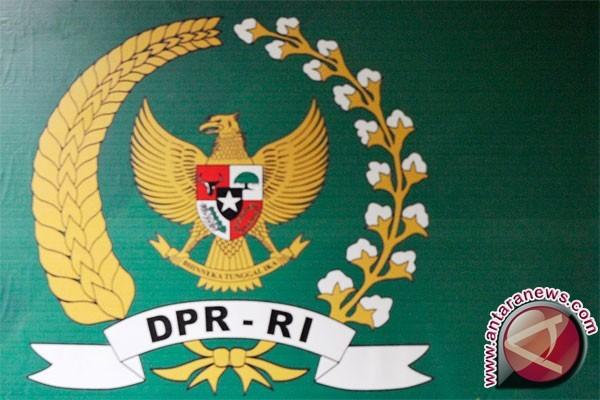 DPR: Perseteruan tiga lembaga harus diakhiri