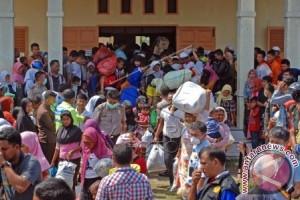 Tekanan pada Suu Kyi meningkat, 125.000 Rohingya mengungsi