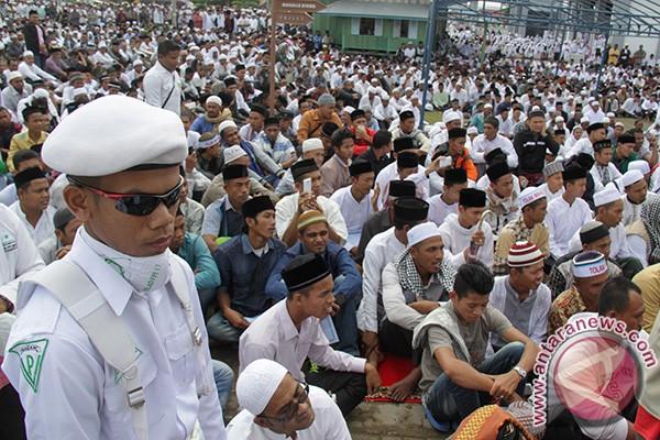 ASN Jabar bersarung saat Hari Santri Nasional