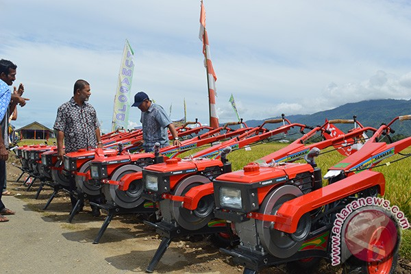 Abdya peroleh bantuan traktor Kementan