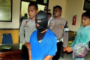 Polisi Singkil tangkap oknum PNS bawa sabu