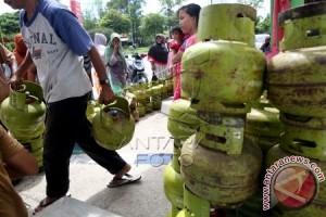 Harga elpiji 3 kg di Singkil Rp30.000