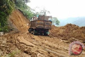 Longsor Sempat Hambat Pembuangan Sampah Kota Takengon
