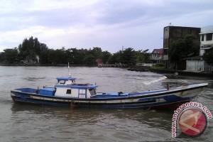 Kuala Gabi Singkil dangkal nelayan kesulitan melintas