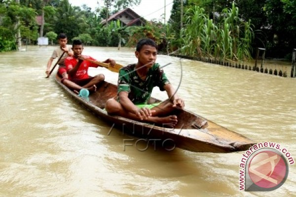 Jalur Subulussalam-Aceh Singkil lumpuh akibat banjir