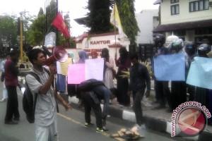 Mahasiswa Desak Warga Nagan Raya Dibebaskan