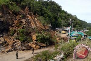Tanah longsor tewaskan 47 orang di India Utara