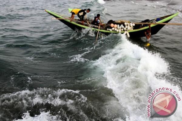 Waspadai gelombang 4 meter di Aceh