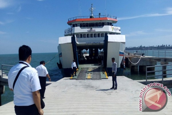 ASDP hentikan pelayaran tujuan Sinabang