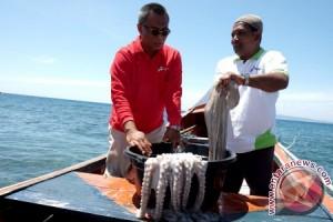 Pertamina Bantu Nelayan Gurita