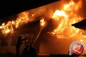 Rumah nelayan Singkil ludes terbakar