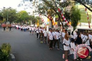 Ribuan peserta ikut jalan sehat HUT Pertamina