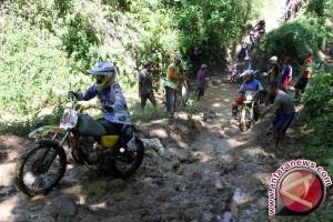 Anggota komunitas motor trail meninggal terseret arus sungai