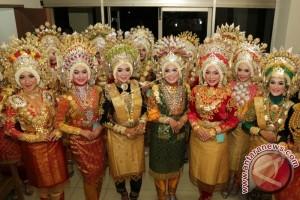 Chalid-Ratu duta wisata Aceh Barat 2017
