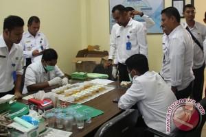 BNN Lhokseumawe tes urine karyawannya