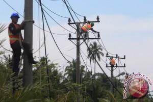 Jaringan listrik ke lokasi terisolasi di Aceh Barat kembali normal