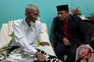 Usai Pimpin Upacara HOTDA XXI, Bupati Bireuen besuk Abu Tumin