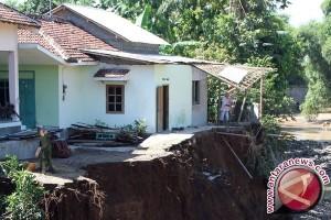 Rumah warga terancam abrasi di Aceh Selatan