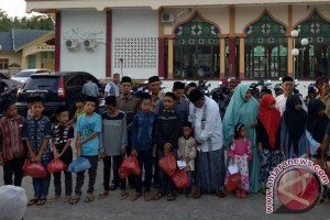 Ratusan anak yatim di Aceh Utara dapat satunan