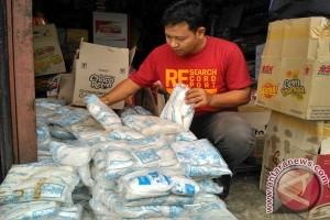 Kelangkaan picu kenaikan harga garam di Meulaboh