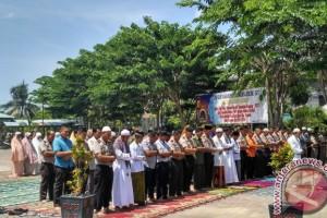 Satgas karhutla Aceh Barat shalat minta hujan