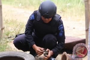 Nelayan udang di sungai Cunda temukan granat aktif