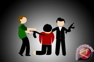 Polisi tangkap tiga penculik bersenjata api