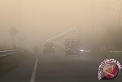 Sebagian wilayah Aceh Barat diselimuti asap tebal