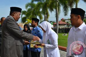 Pegawai tidak tetap Aceh Barat terima SK