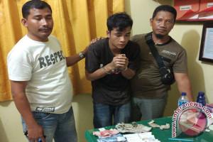 Polisi Singkil tangkap pengedar ganja