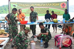 TNI ajari masyarakat Nisam Antara buat pupuk