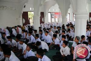 Puluhan pelajar mengikuti sosialisasi antinarkoba