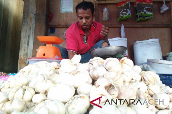Harga bawang putih di Aceh cenderung stabil