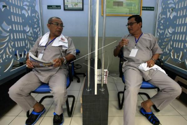 16 pasangan balon kepala daerah tes kesehatan