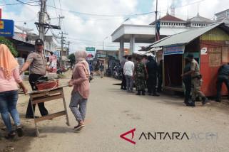 Sebagian pedagang Aceh Utara bongkar kiosnya