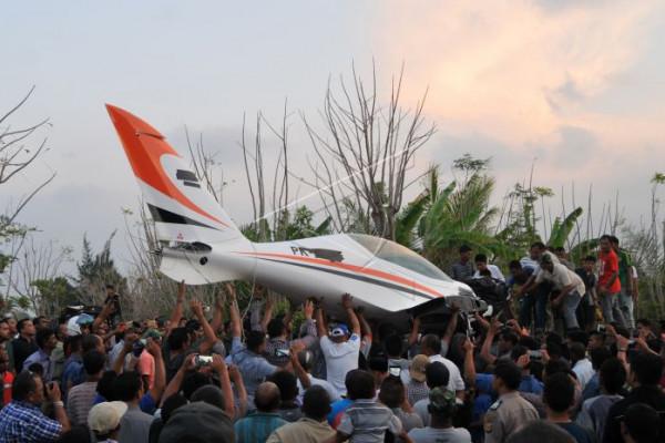 Evakuasi Pesawat Gubernur Aceh