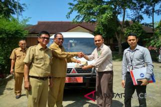 BI Aceh serahkan mobil penumpang untuk tunanetra