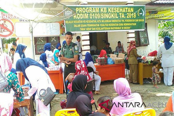 TNI gelar pengobatan gratis di desa tertinggal