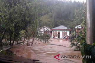 Empat dusun di Aceh Tamiang banjir akibat tanggul sungai jebol