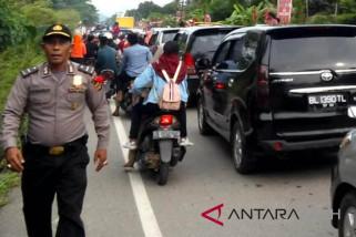 Arus mudik - Polres Lhokseumawe sebar anggota atasi kemacetan