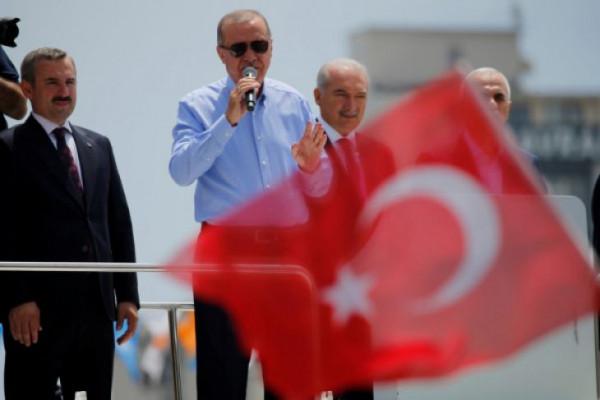 Erdogan: tujuh prajurit gugur dalam ledakan gudang senjata Turki