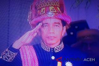 Presiden pakai adat Aceh pada upacara HUT RI