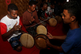 SMN Papua belajar Rapai Geleng