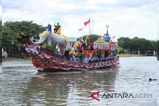 22 perahu hias bersaing di festival Krueng Aceh