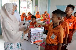 Murid sekolah galang dana untuk Palu