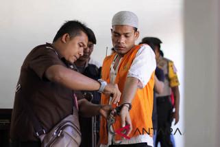 Ridwan, terdakwa pembunuh satu keluarga yang divonis mati
