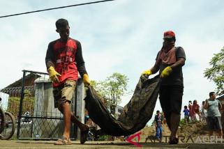 Buruh bangunan temukan jasad korban tsunami